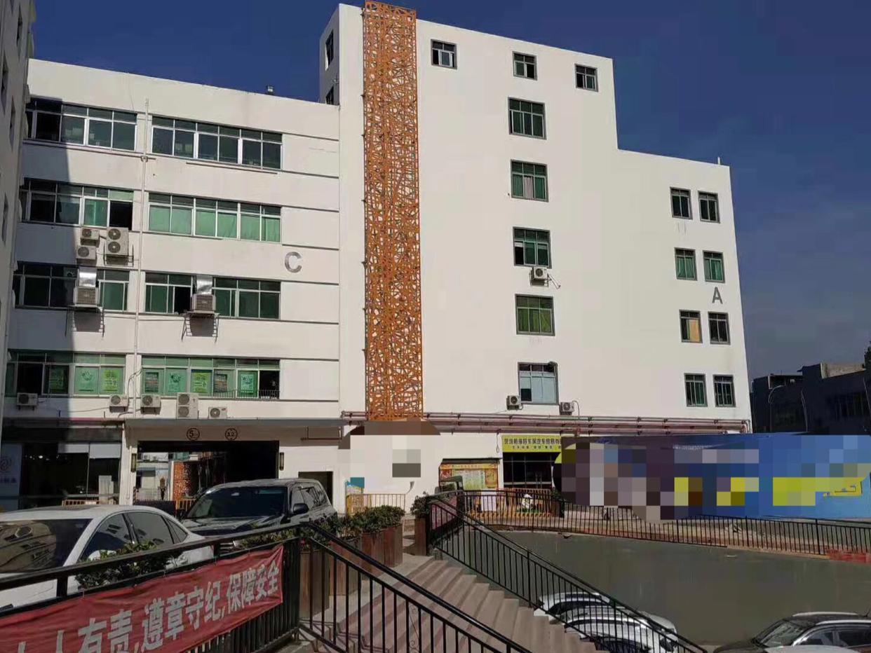 龙华龙胜地铁口新出楼上带装修厂房出租不要转让费