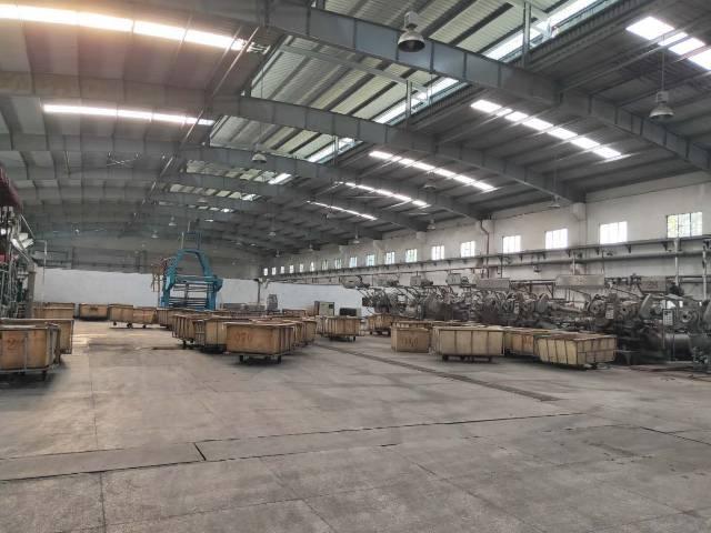 新圩镇村委钢构厂房物流仓库40000平米超低价招租。