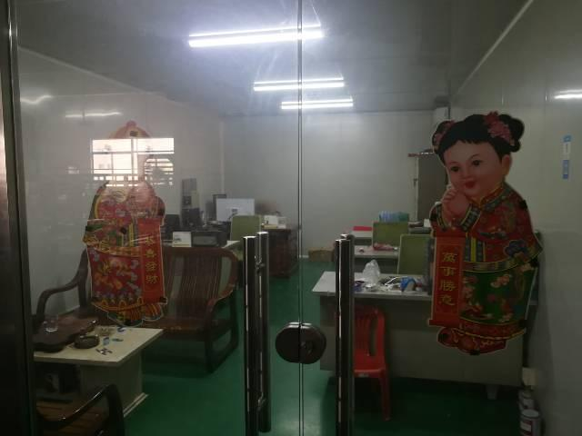 凤岗五联新出带办公室精装修、地坪漆标准厂房6楼1500平