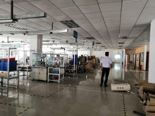 深圳市光明新区上村大新园区带办公司精装修1600平米厂房出租