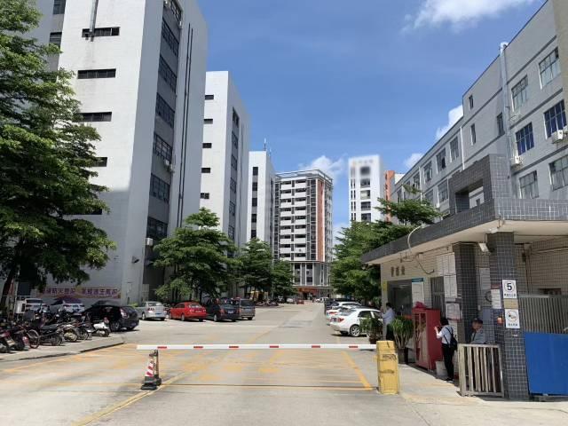 松岗塘下涌工业区楼上整层2000平方厂房出租,豪华装修
