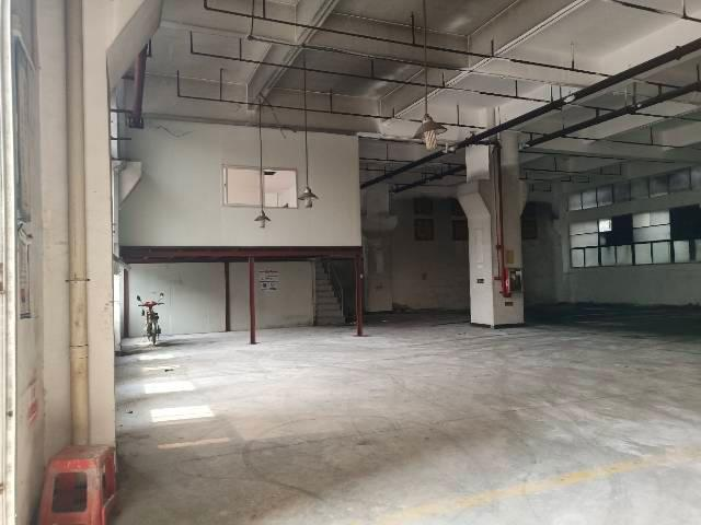 深圳市光明新区塘尾一楼已经隔好带精装修450平米厂房出招租!