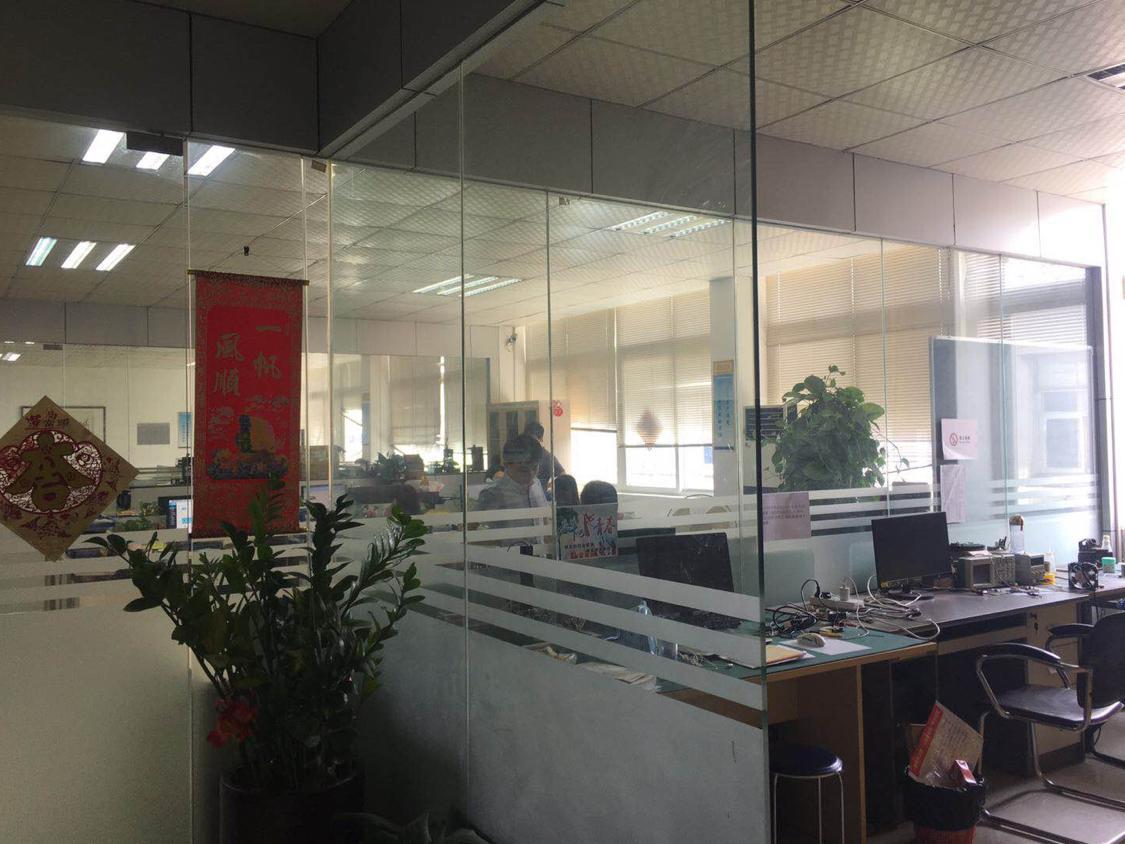 福永桥底107国道边上独门独院精装修厂房1200平招租