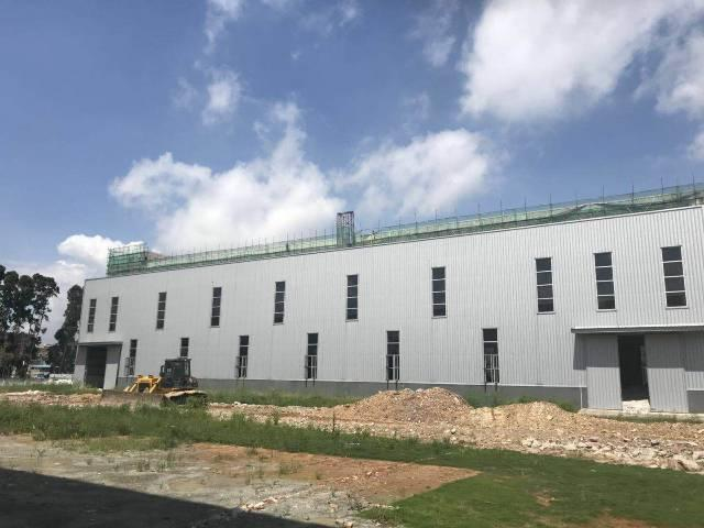 独门独院空地大12米高。工业用地可以办环评,有消防合格证。