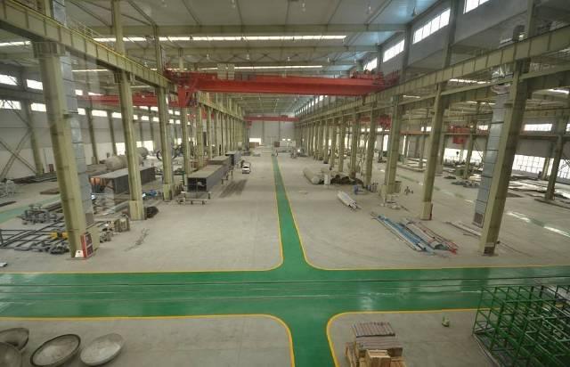 独栋钢构厂房带行车可分租空地大