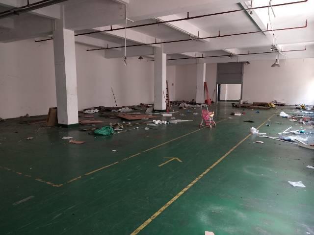 东莞横沥镇独门独院带现成装修办公室地坪漆二楼650平厂房出租-图2
