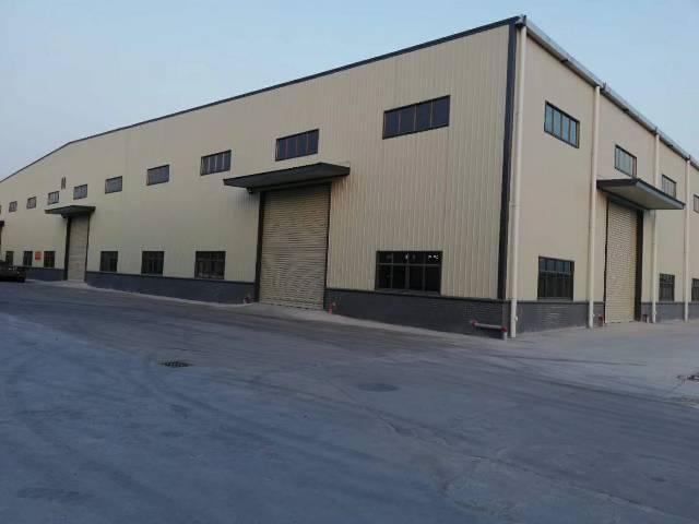 独栋钢结构厂房带牛角位8400平方出租