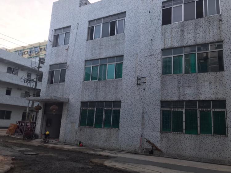 深圳l龙华大浪天虹附近现出独门独院厂房空地大