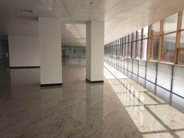 商业中心街3000平方写字楼图片1