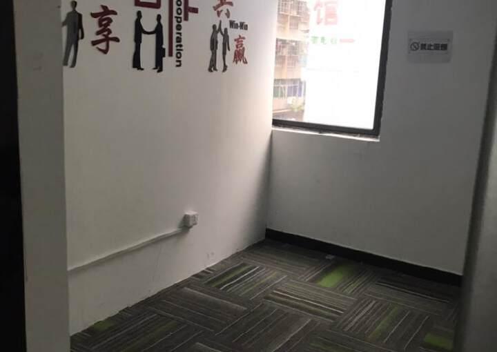 深圳龙华现出商业中心写字楼商业出租3000大小可分图片2