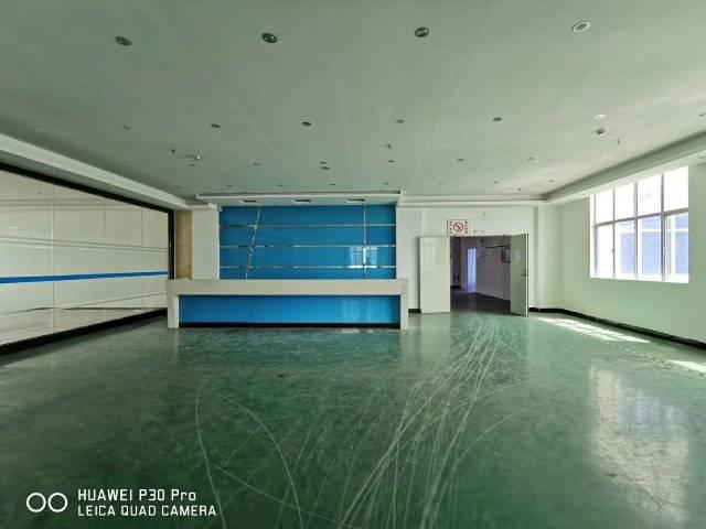福永塘尾地铁口附近新出楼上完美整层2000平方