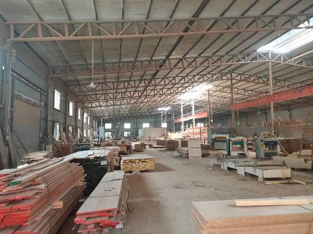 租汉口北1800平钢结构厂房,提供宿舍,食堂