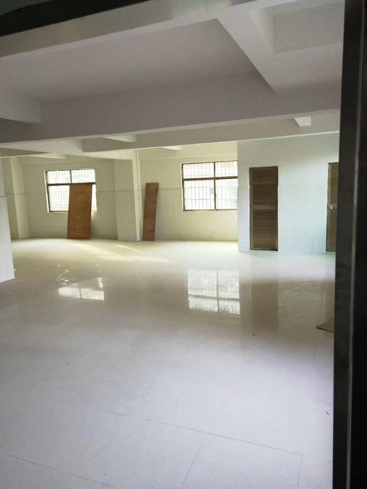 塘厦林村一楼标准厂房300平方米出租