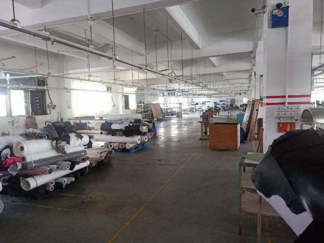 横岗安良楼上新空出1280平标准厂房报价21电路齐全