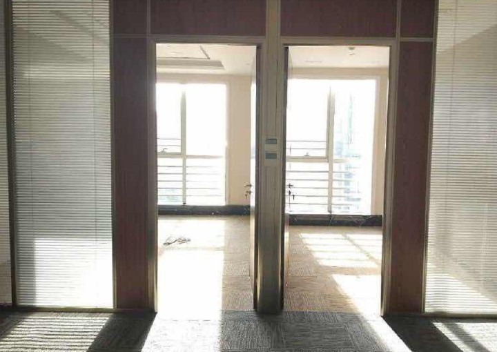 宝安商务示范区 132平米写字楼 业主直售 不限贷图片3