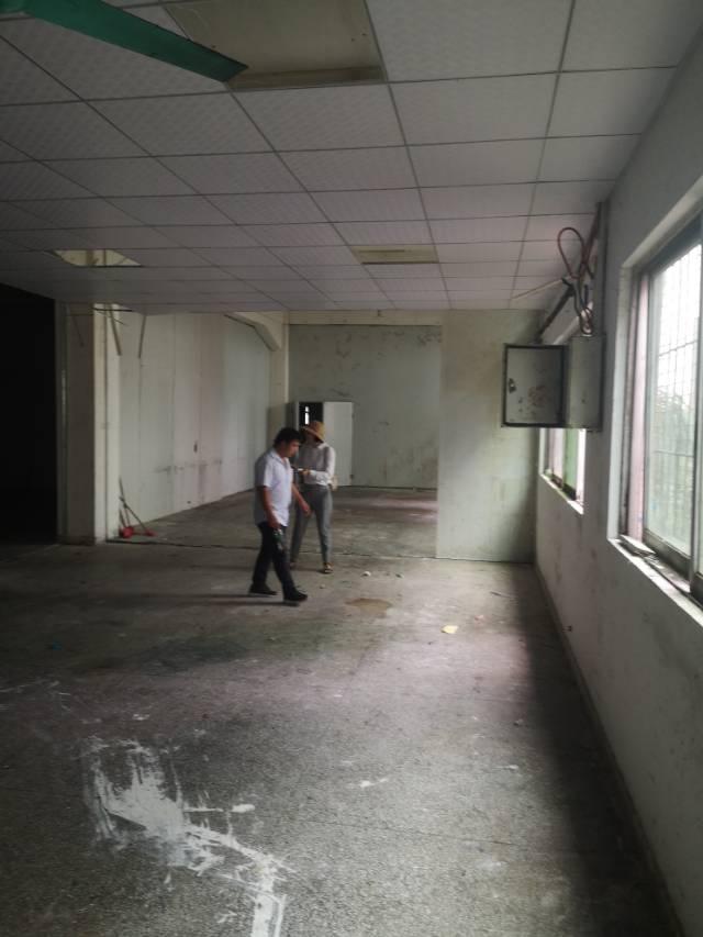 白云区均禾街道清湖村厂房仓库招租2000平方大小可分租
