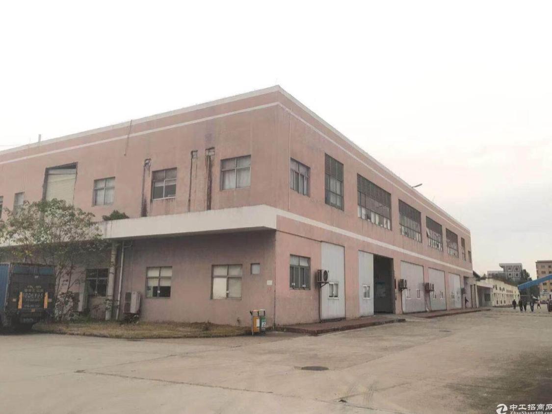 广州市白云区人和镇标准厂房1400平方适合小加工仓库电商服装