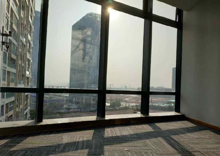宝安中心区,国际西岸商务大厦 225m² 采光好 带隔间图片1