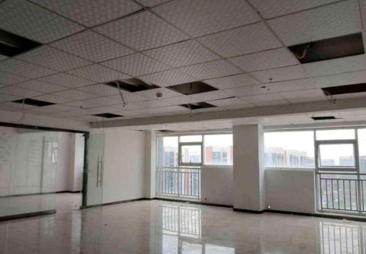 宝安固戍创意园办公楼招租  307平米  精装修 交通方便图片1