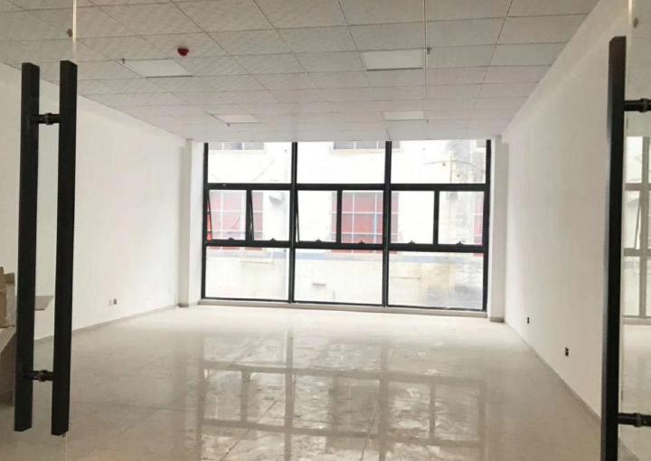宝安中心区全新写字楼出售 225m² 户型方正图片1
