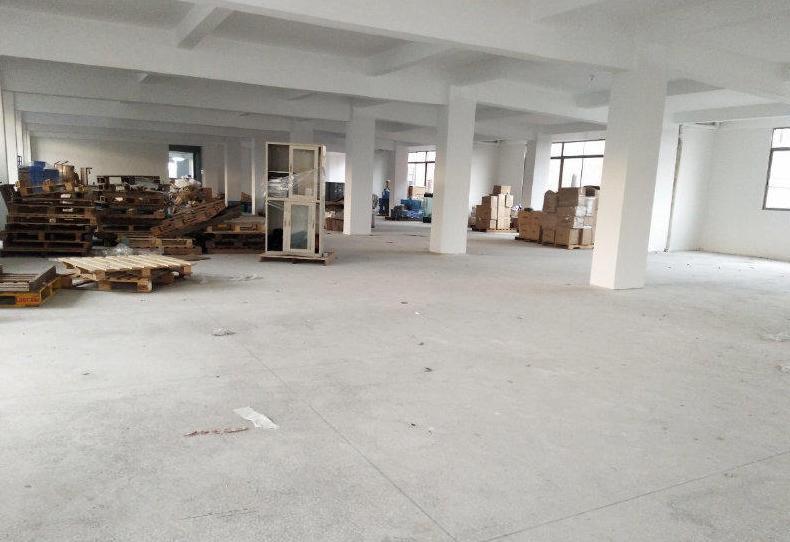 塘厦镇出租一楼750平米厂房仓库招租可做工厂或仓库!形象好