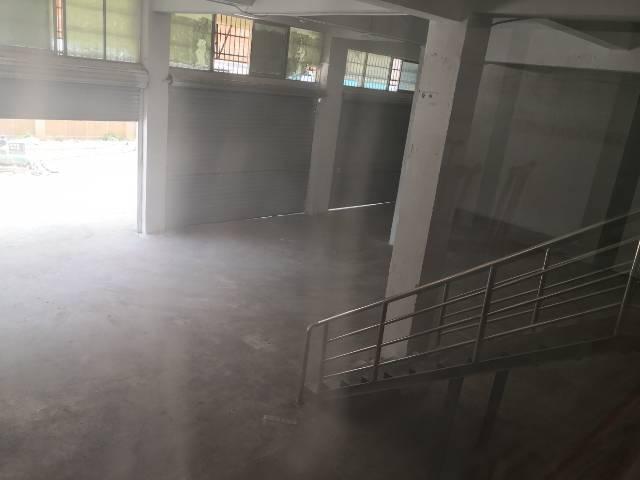 凤岗镇马路边小商铺出租580平-图2