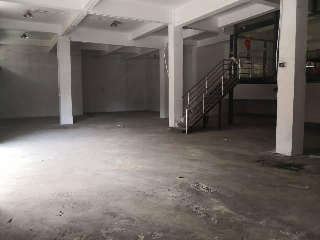 凤岗镇马路边小商铺出租580平