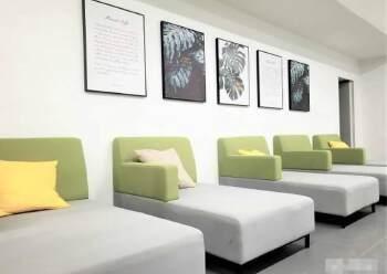 黄埔大沙地铁站口精装写字楼100平起分租、证件齐全有补贴图片2