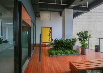 黄埔大沙地铁站口精装写字楼100平起分租、证件齐全有补贴图片3