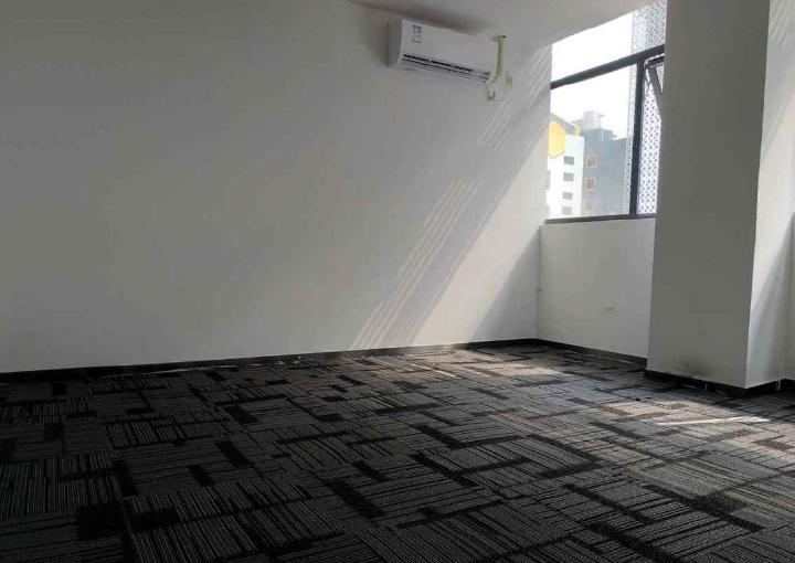 地铁沿线 高新奇科技园 388m² 购物方便 配套齐全图片1
