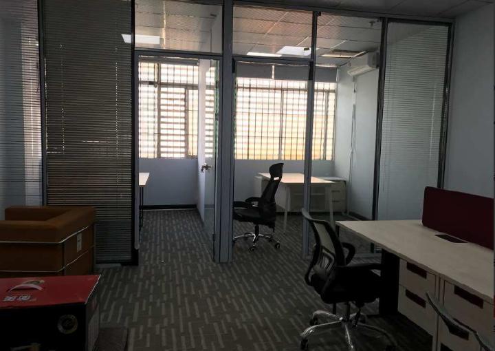 宝安东方建富小办公室出租 62m² 中低区 精装图片2
