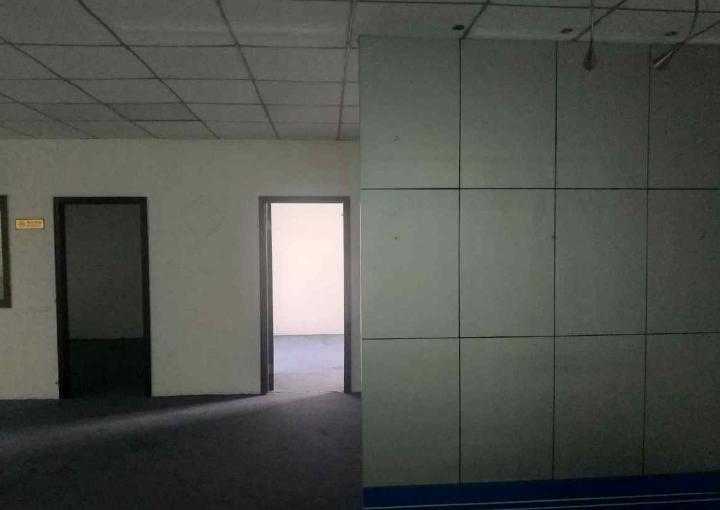 宝安精装写字楼 鸿都商务大厦 118m² 业主直租图片2