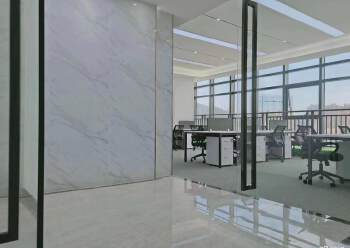 宝安区新安友谊大厦 110m² 拎包入住 带装修图片2
