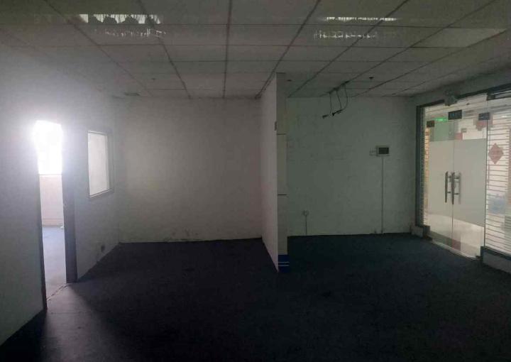 宝安精装写字楼 鸿都商务大厦 118m² 业主直租图片3