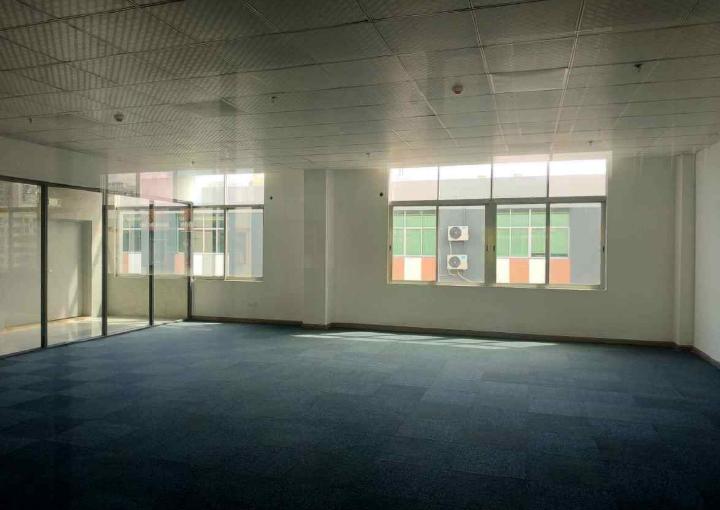 鸿都商务大厦 145m² 中高区 精装图片2