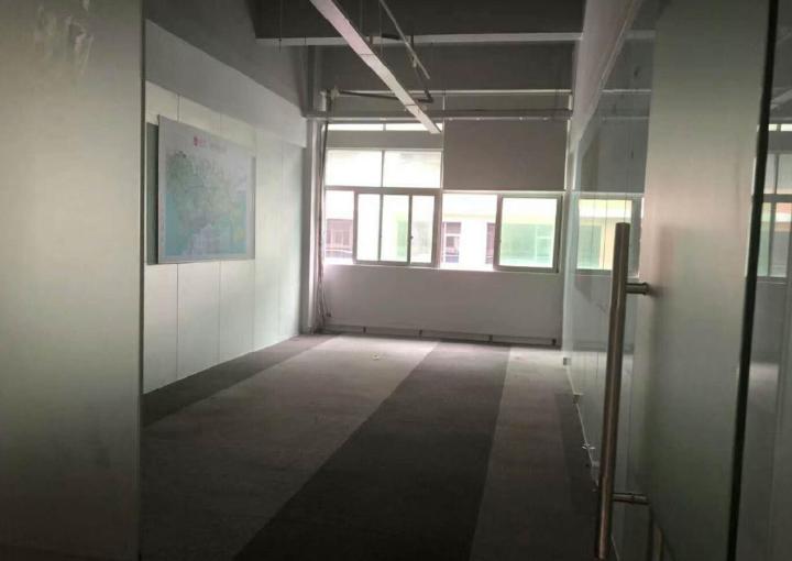 新安中粮商务公园写字楼 240m² 业主直租图片2