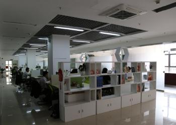 宝安精装办公室招租  395m² 带家具 大开间图片1