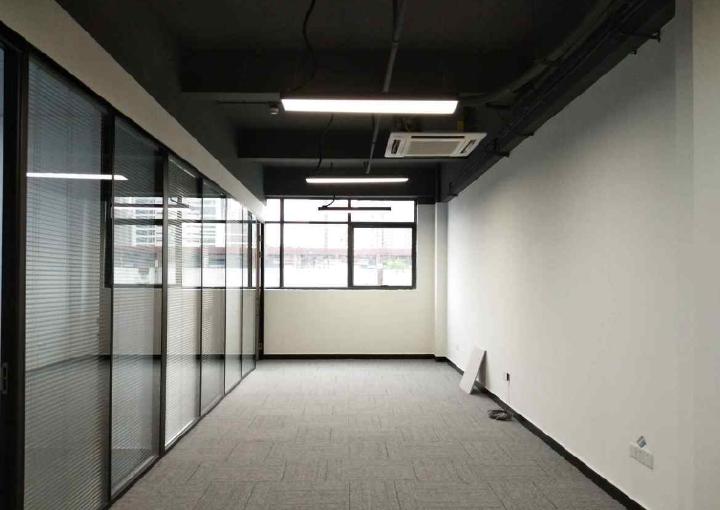 鸿丰华互联网创意园 100m² 低区 简装图片1