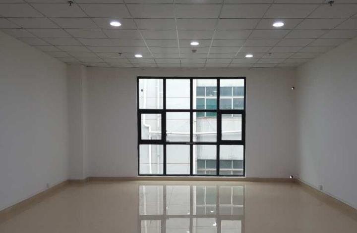 红湾商务中心 90m² 低区 普装图片2