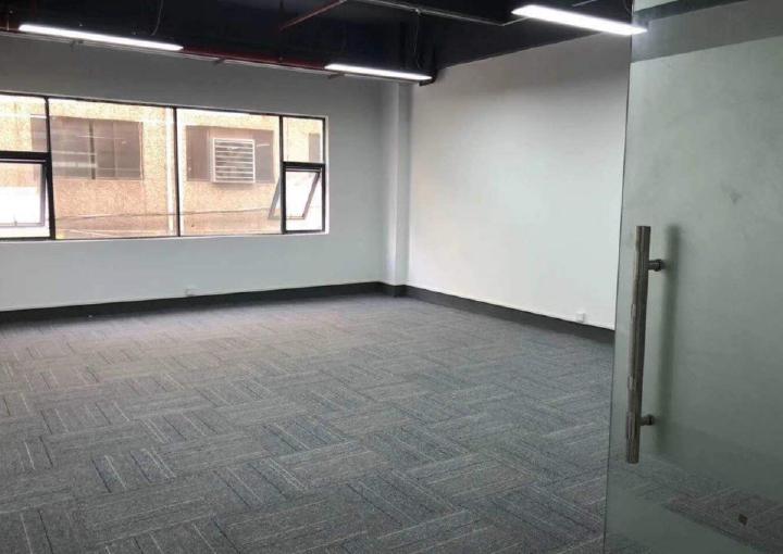 171m² 带隔间中高区宏域易创空间带装修办公室出租图片3