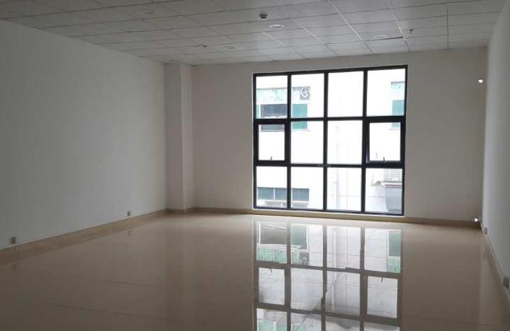 红湾商务中心 90m² 低区 普装图片1