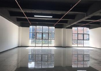带装修正泰商业大厦 171m² 中低区写字楼出租图片2