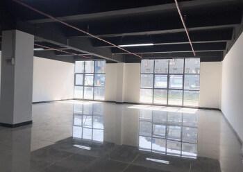 带装修正泰商业大厦 171m² 中低区写字楼出租图片1