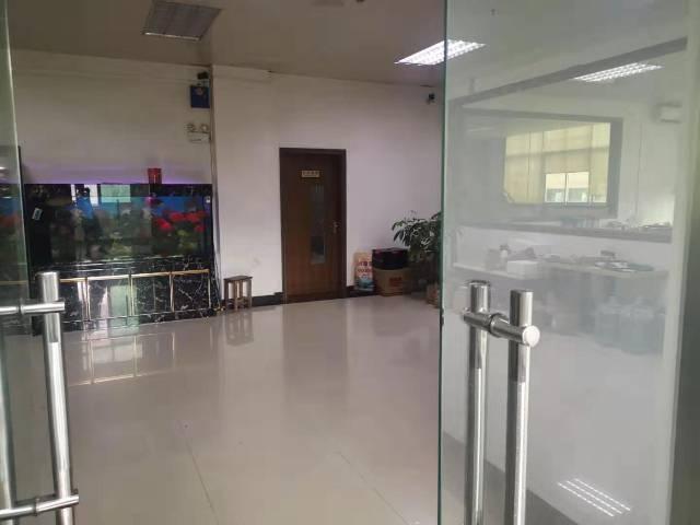 松元轻轨站旁新出二楼1500平带装修厂房出租车