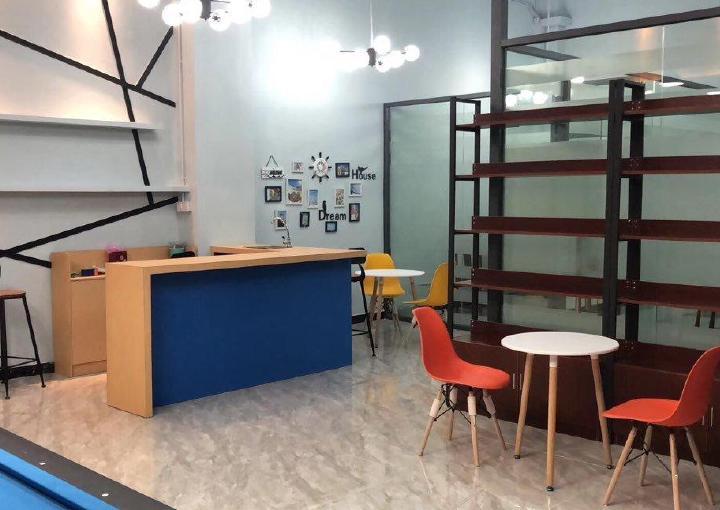 171m² 带隔间中高区宏域易创空间带装修办公室出租图片2