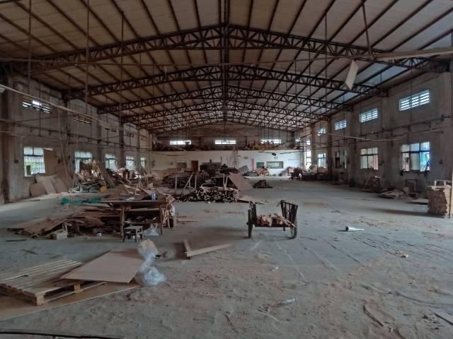 谢岗镇原房东1800平带装修家具行业环坪18元/平