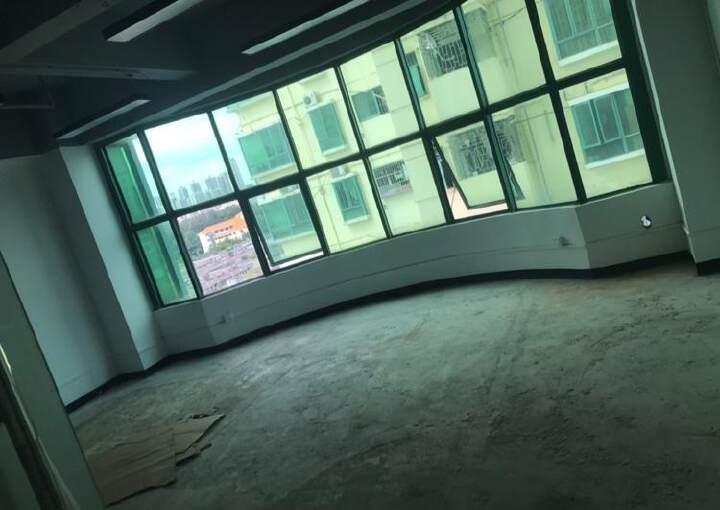 深圳龙华天虹附近带装修写字楼有大小面积图片3