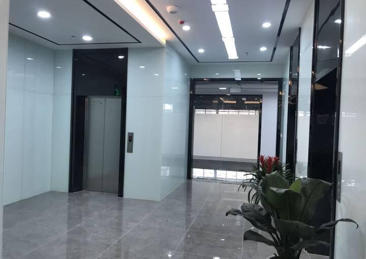 户型方正 深业U中心 405m² 带隔间写字楼图片3