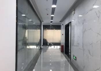 户型方正 深业U中心 405m² 带隔间写字楼图片1
