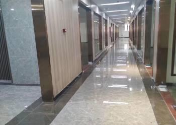 宝安区深业U中心 292m² 带装修 可注册图片4